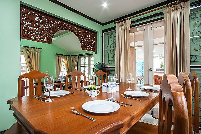 Dinning table see view of Jomtien Summertime Villa C