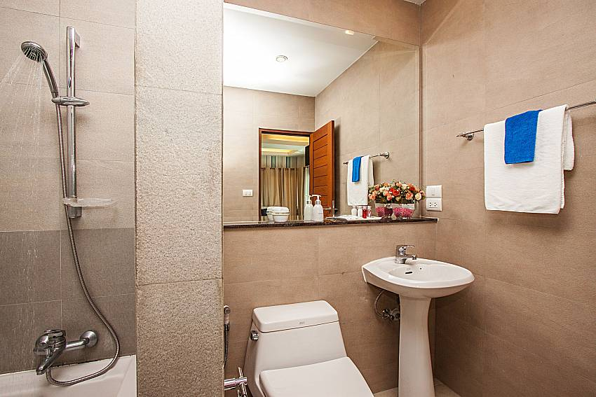 Bathroom with shower and toilet of Kancha villa