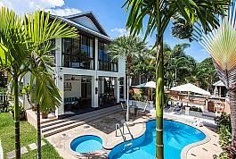 2-stöckige Villa mit privatem Pool zum Mieten