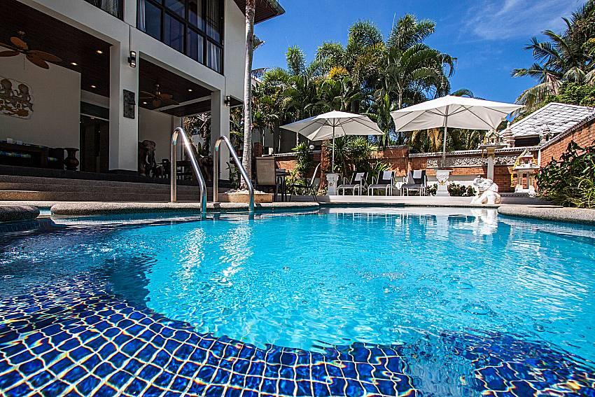 Large swimming pool of Villa Jairak
