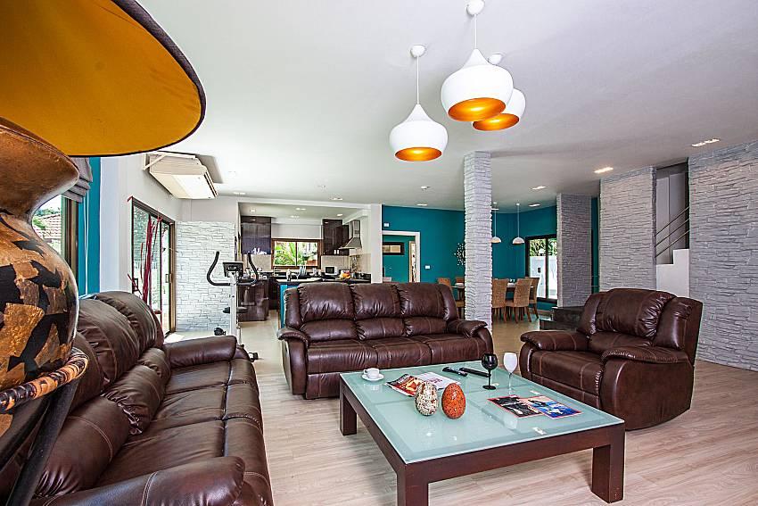 Overall atmosphere in the living room of Villa Jairak