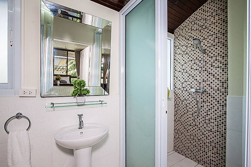 ฺBathroom with basin wash of Villa Jairak