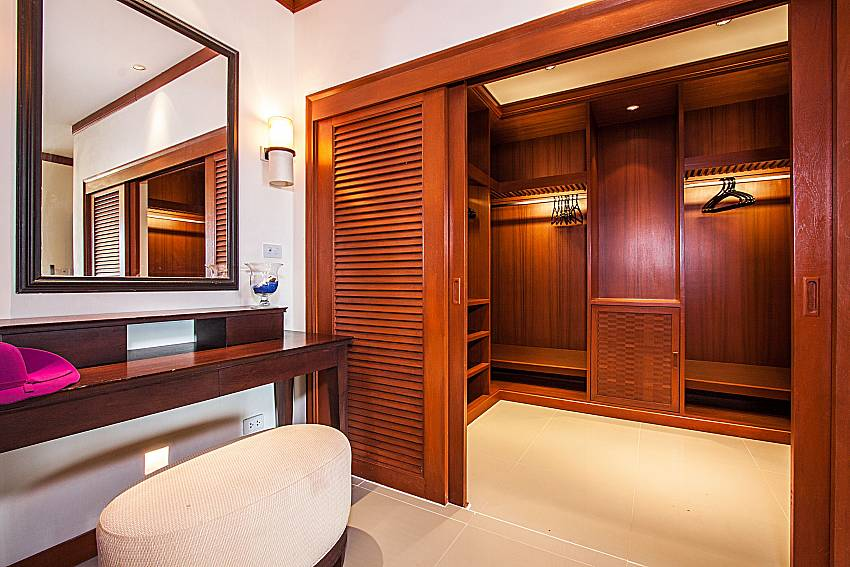 Dressing room with a large wardrobe of Pailin Garden Palace