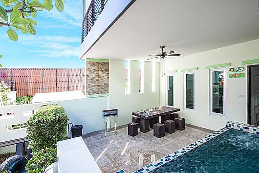 Rent Hua Hin Villa: Baan Kiet 3 - 7 units 2-Bedroom Jacuzzi Townhomes, 2 Bedrooms. 6195 baht per night