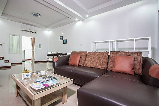 Аренда виллы в Хуа-Хине: Baan Kiet 3 - 7 units 2-Bedroom Jacuzzi Townhomes, 2 Спальни. 5460 бат в день