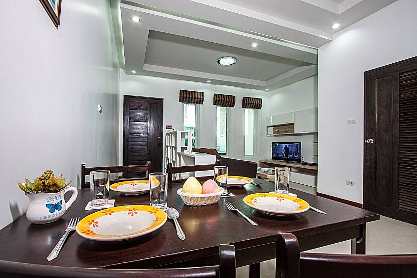 Dinning table of Baan kiet 3