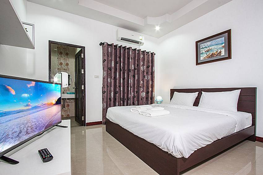 Master bedroom with en suite of Baan kiet 3 (Second)