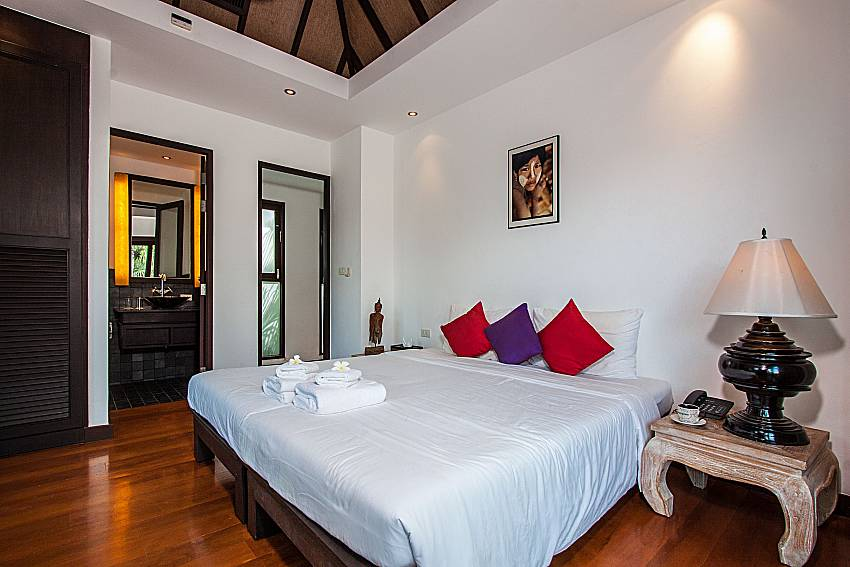 Bedroom with en suite of Niranon villa 21
