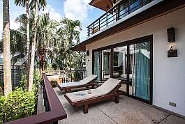 2-stöckiges Thai-Stil-Ferienhaus mit viel Platz zum Mieten