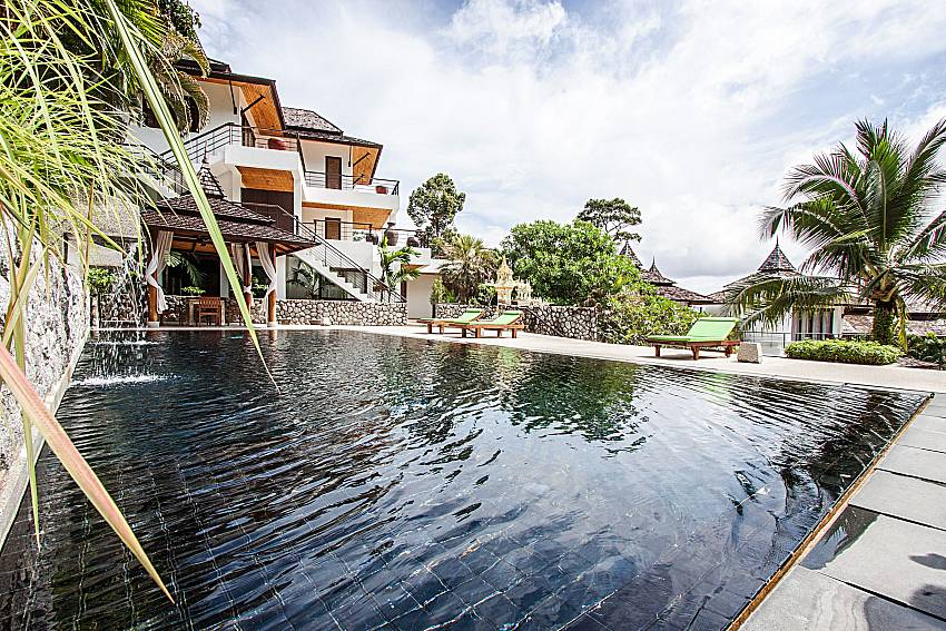 Swimming pool of Niranon villa 23