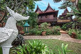 Thai-Villa im klassischen Stil in herrlicher Gartenanlage zu vermieten