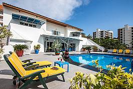 Traumvilla mit riesiger Terrasse und Pool zum Mieten