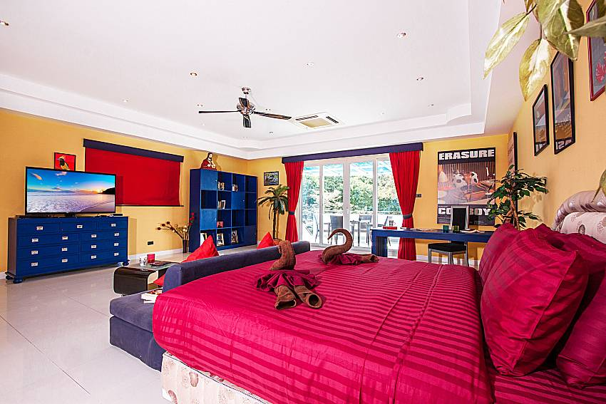 Large bedroom colorful of Pratumnak Argyle Villa (First)