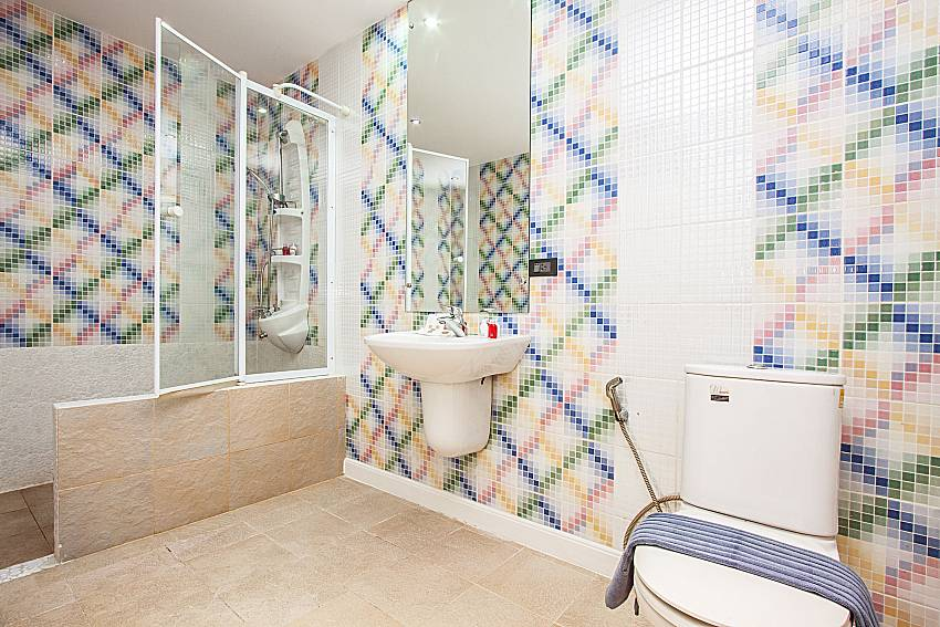 Bathroom is decorated with beautiful tiles of Pratumnak Argyle Villa