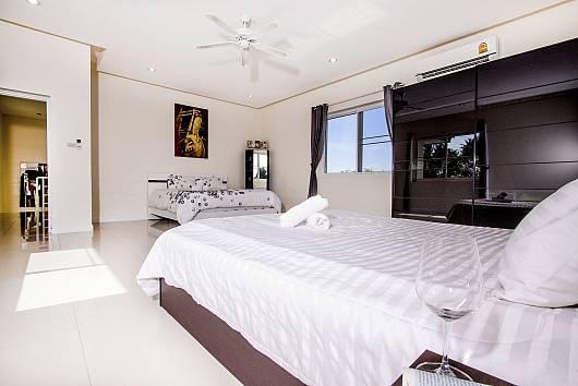 Rent Pattaya Villa: Montecito Villa - 4 Beds, 4 Bedrooms.  baht per night