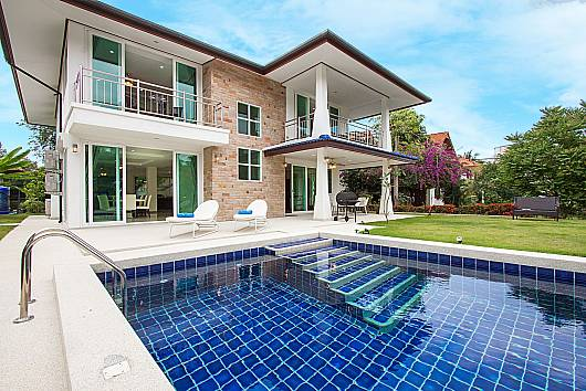 Rent Pattaya Villa: Siam Alexia Villa - 5 Beds, 5 Bedrooms. 13990 baht per night