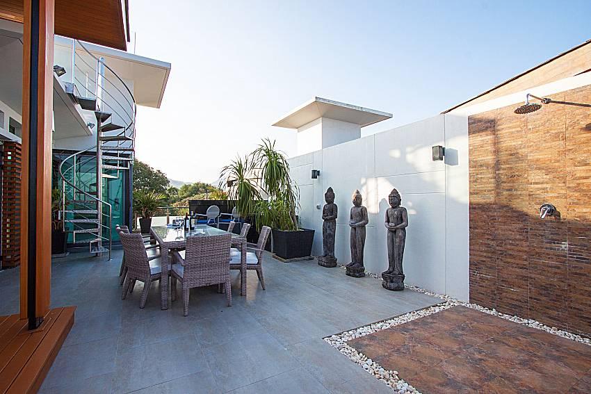 Dinning area Un-Chan Villa in Phuket