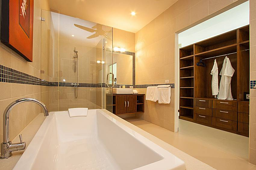 Bathroom Si Mok Villa in Phuket