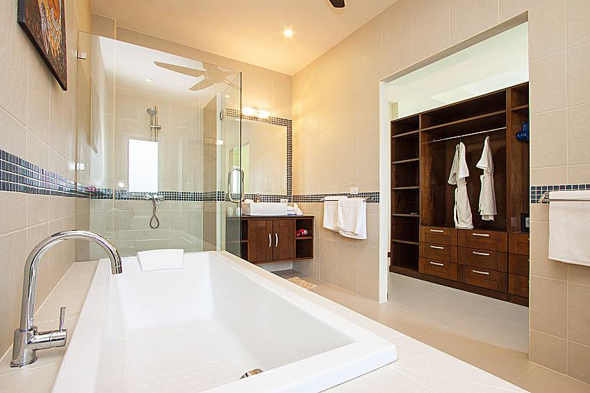 Bathroom Si Fah Villa in Phuket
