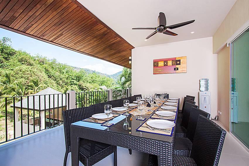 Dinning area Si Fah Villa in Phuket