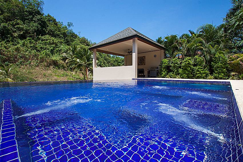 Swimming pool Si Fah Villa in Phuket