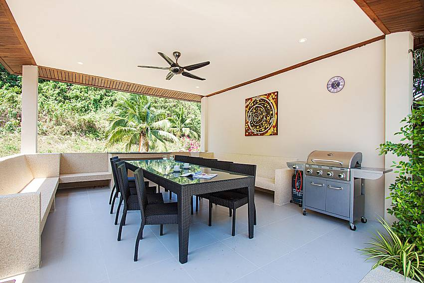 BBQ facility and dinning area Si Fah Villa in Phuket