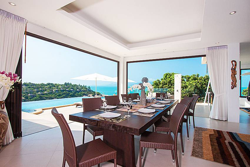 Dinning area with sea view Villa Ram Phai in Samui