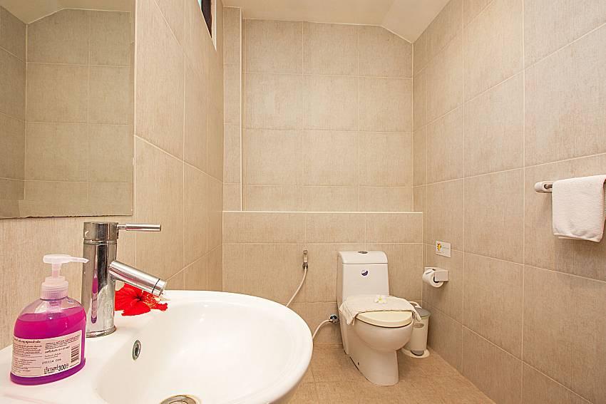 Bathroom Maprow Palm Villa No. 1 in Koh Samui
