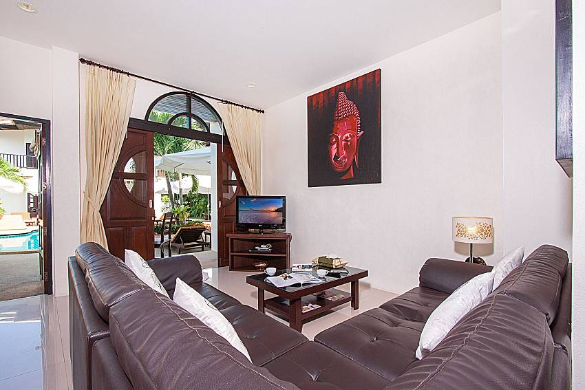Living room with TV Maprow Palm Villa No. 3 in Samui