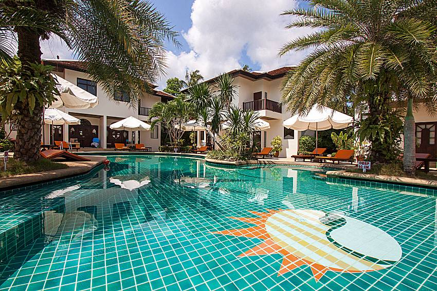 Swimming pool and property Maprow Palm Villa No. 10 in Samui