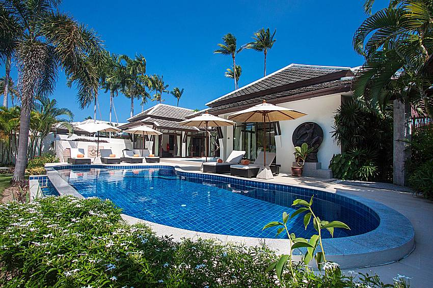 Swimming pool and property Blossom Dew Villa B in Samui