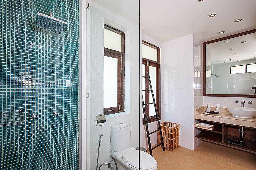 Bathroom with shower Blossom Dew Villa B in Samui