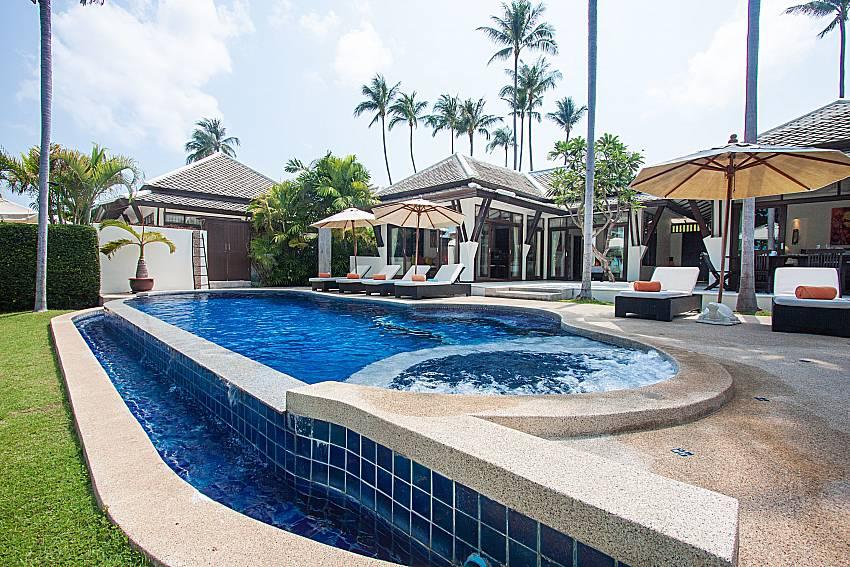 Swimming pool and property Blossom Dew Villa C in Samui