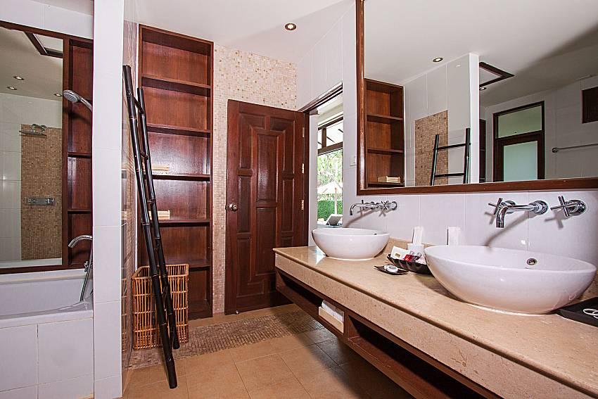 Bathroom Blossom Dew Villa C in Samui