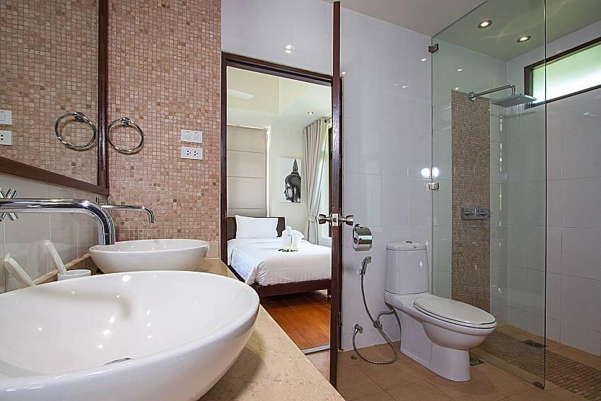 Bathroom with shower Blossom Dew Villa C in Samui