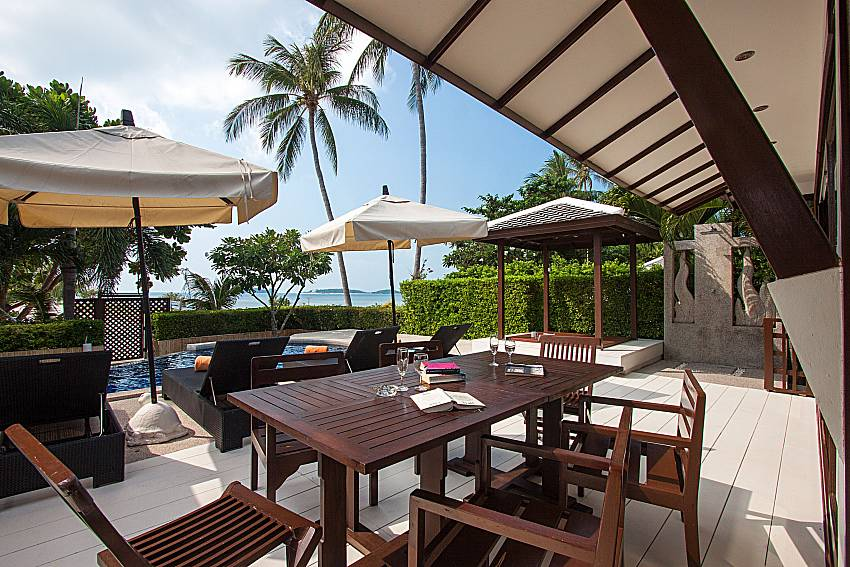 Seat and table Blossom Dew Villa D in Koh Samui