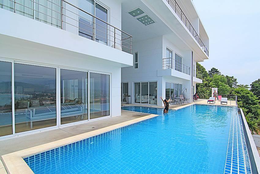 Swimming pool and property Sirinda Samui Sea View Apartment in Samui