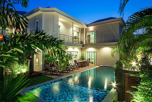 Rent Pattaya Villa: City Haven Villa – Luxury 7 Bedroom Pool Villa, 7 Bedrooms. 19500 baht per night