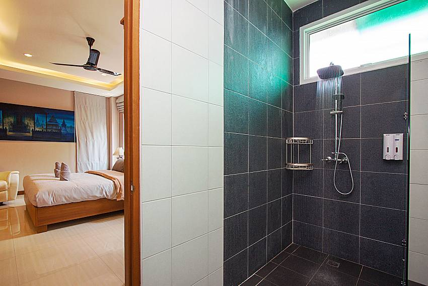 Bathroom with shower City Haven Villa in Central Pattaya