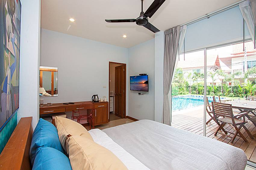 Bedroom with TV City Haven Villa in Central Pattaya