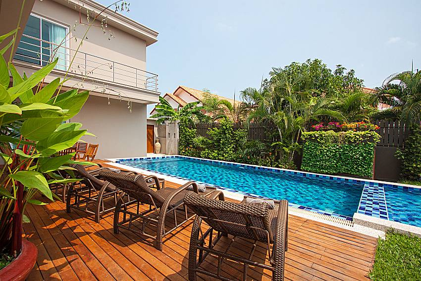 7 Bed Luxury Pool Villa In Central Pattaya