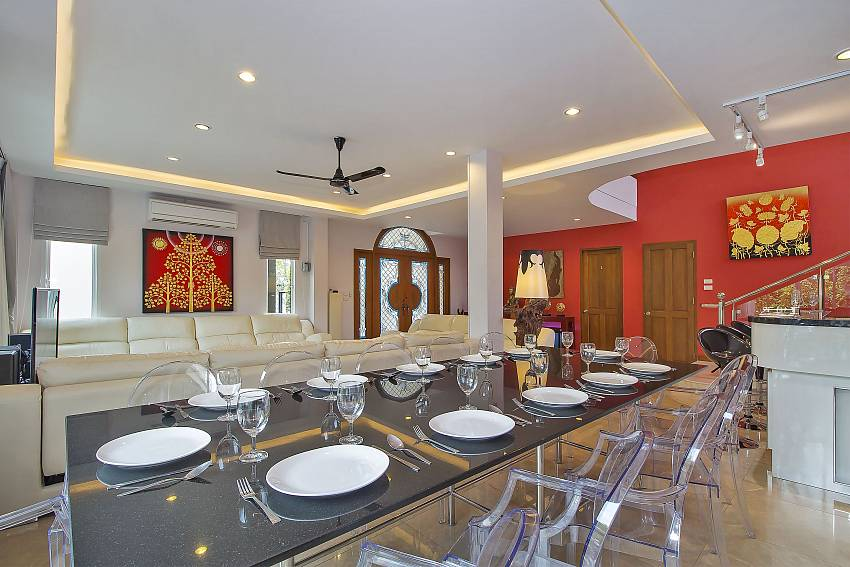 Dining table in City Haven Villa in Central Pattaya