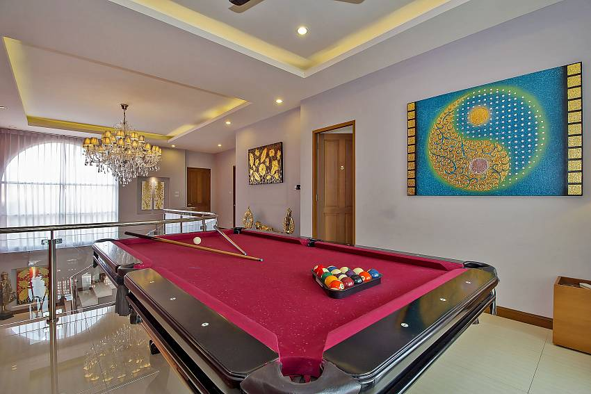 Pooltable at the 2. floor City Haven Villa in Central Pattaya