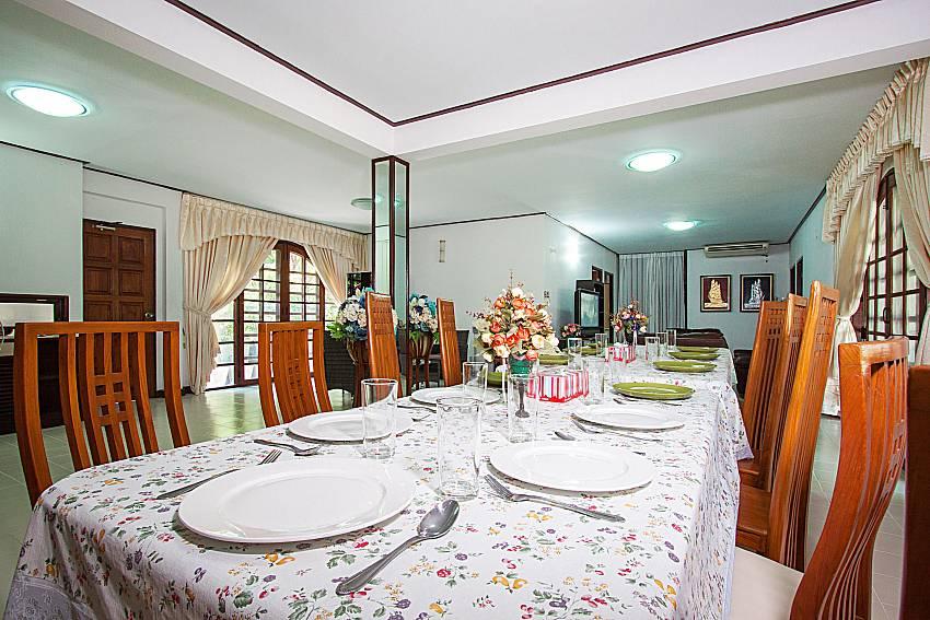 Dinning area Villa Nobility Jomtien Beach in Pattaya