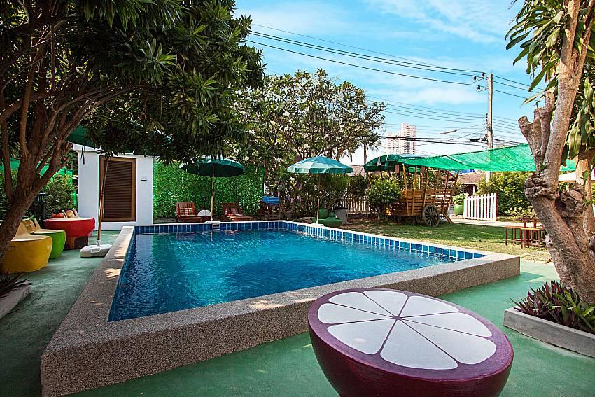 Swimming pool Villa Nobility Jomtien Beach in Pattaya