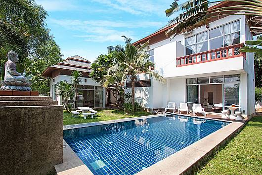 Rent Pattaya Villa: Baan Mork Nakara B - 4 Beds, 4 Bedrooms. 10600 baht per night