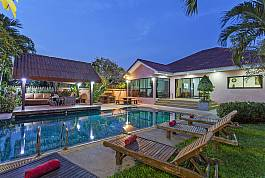4Br Luxury Pool Villa With Tropical Garden in Jomtien Pattaya