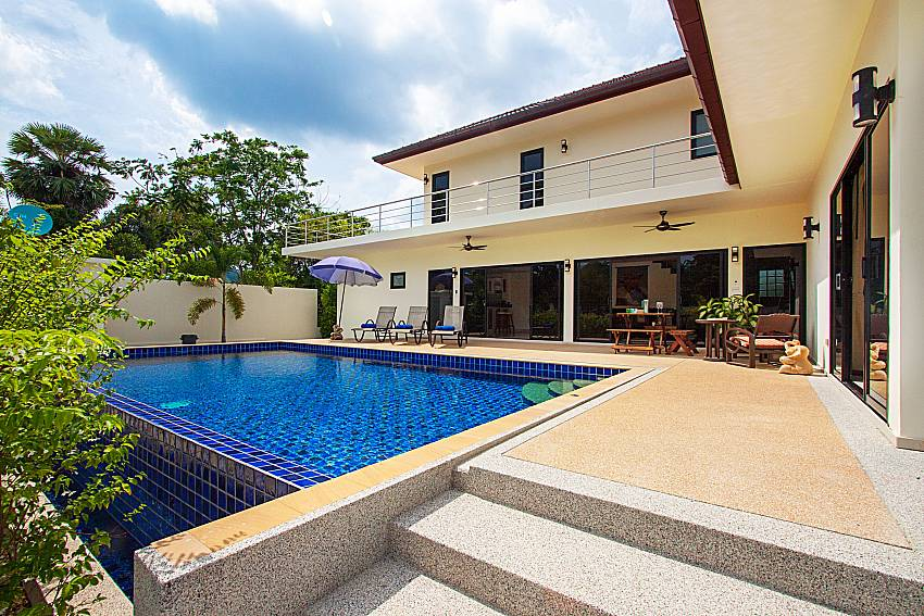 Swimming pool and property Villa Tallandia in Rawai Phuket