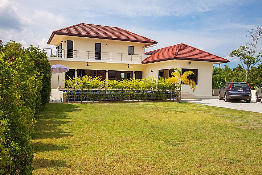 Patio and property Villa Tallandia in Rawai Phuket