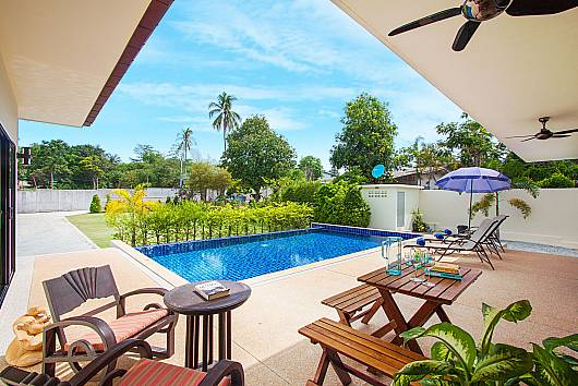 Rent Phuket Villas: Villa Tallandia - 3 Beds, 3 Bedrooms. 15950 baht per night